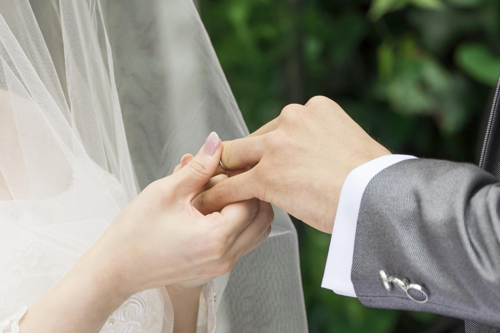 結婚指輪を着けるタイミングに決まりはない